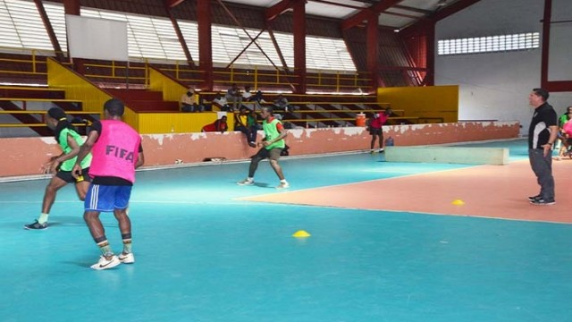 GFF-TD-Claude-Bolton-right-taking-the-players-through-the-paces-at-the-National-Gymnasium
